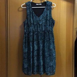 Patterned V-Neck Dress